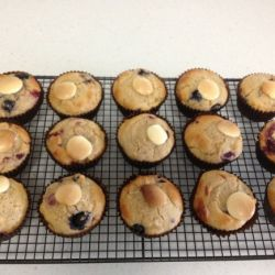 Healthy Banana Berry Muffins | Lunch Box Recipe