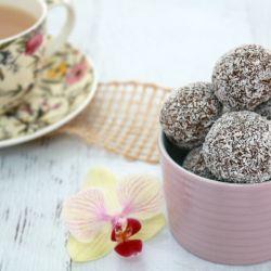 Kid-Friendly Rum Balls (chocolate & coconut balls)