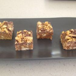 Chocolate Crunchie Honeycomb Slice