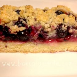 Apple Berry Crumble Slice (easy, classic recipe)