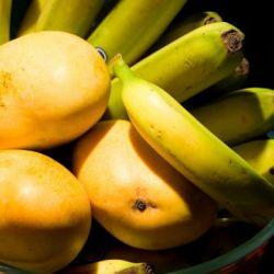 Banana, Mango & Vanilla Smoothie…. Breakfast in a glass!