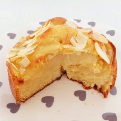 Apple and Almond Teacake (classic recipe)