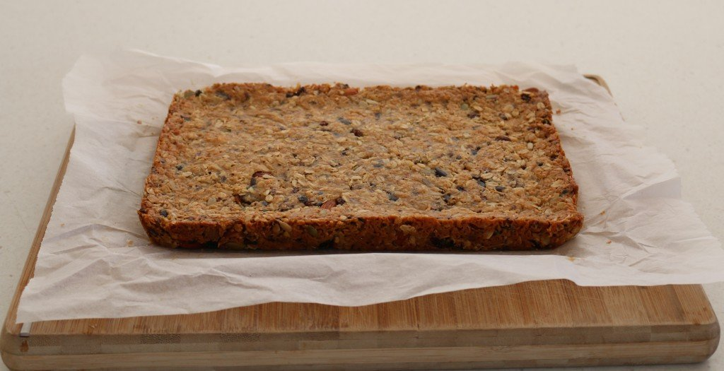 Healthy homemade muesli bars image
