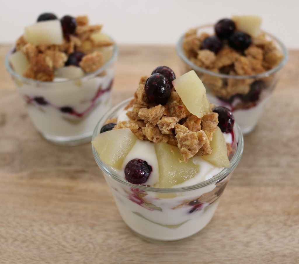 fruit and yoghurt crumble parfaits