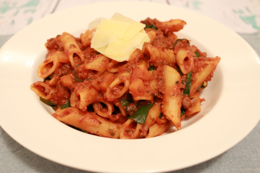 One Pot Pasta Bolognese & Spinach