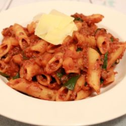 One Pot Pasta (Bolognese & Spinach)