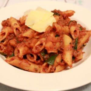 One- Pot Spinach & Bolognaise Pasta