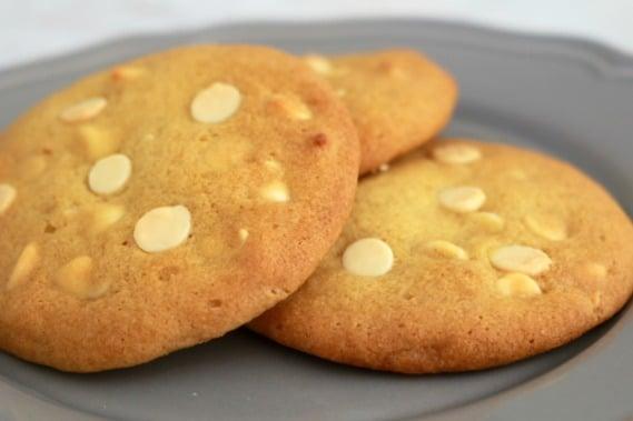 lemon and white chocolate chip cookies