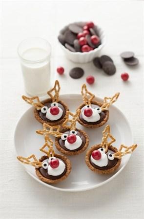 3 Ingredient Chocolate Caramel Tarts