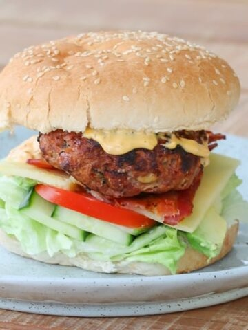 Grilled Beef& Bacon Burgers are perfect for a summer BBQ - they're super easy which leaves more time for relaxing and enjoying the sun!