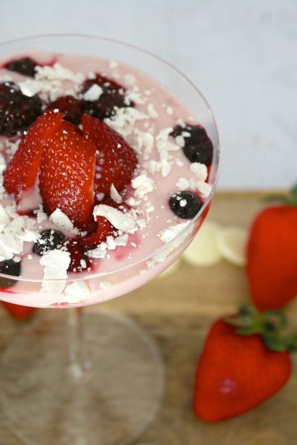 berry meringue smash