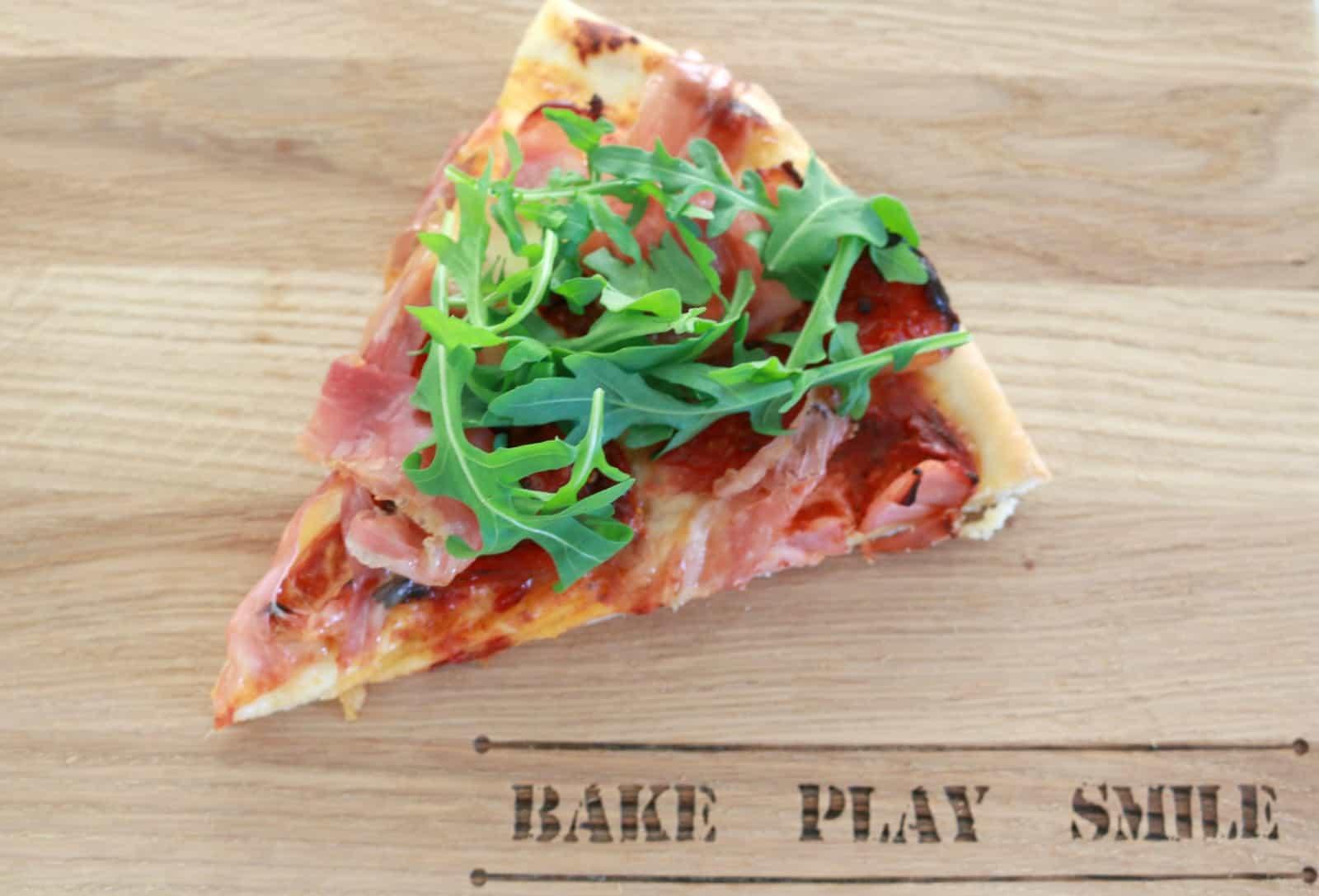 Prosciutto and Rocket Pizza