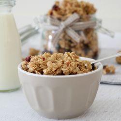 Crunchy Homemade Almond, Cranberry & Coconut Oil Granola