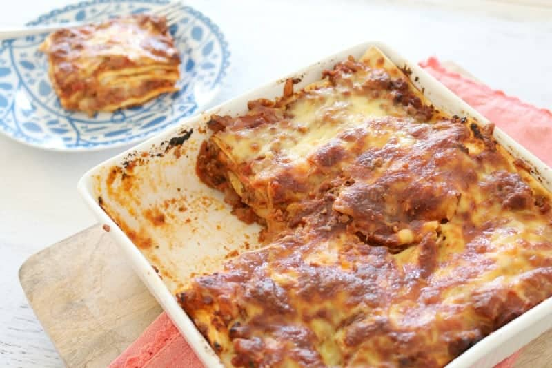 Easy Beef Lasagne | Quick & Easy Family Dinner - Bake Play Smile