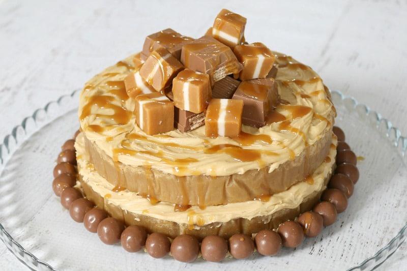 Cake Design Caramel : Salted Caramel Mud Cake (moist & dense!) - Bake Play Smile