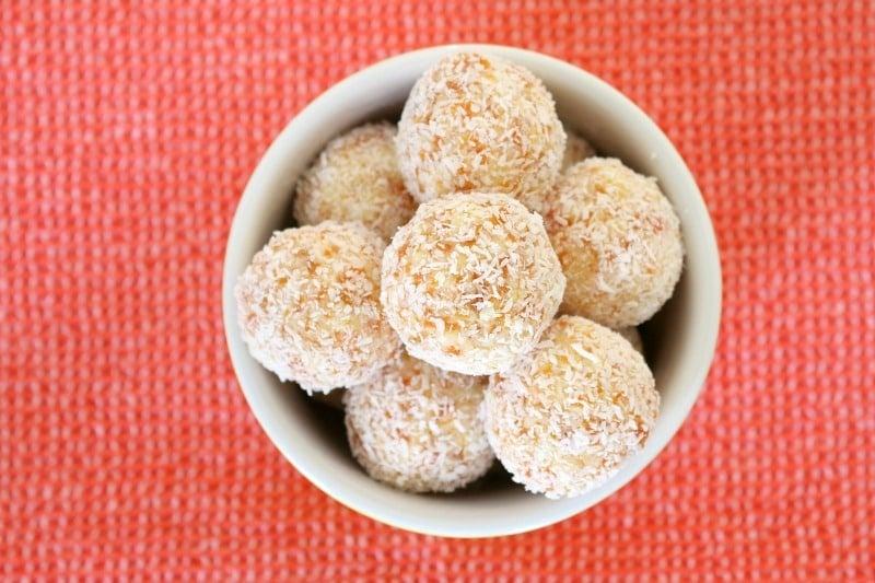 Easy No-Bake White Chocolate, Coconut & Apricot Balls