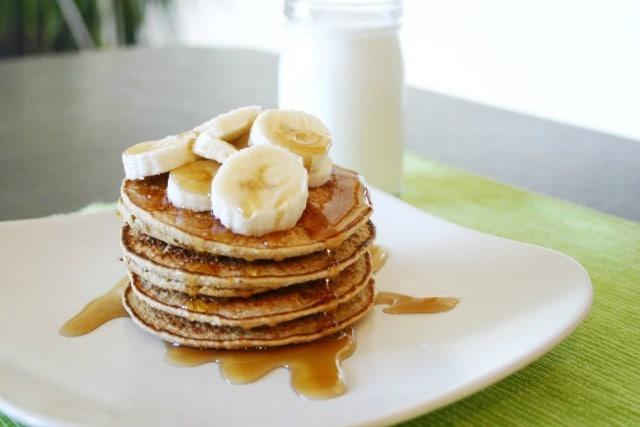 Skinny Banana Pancakes