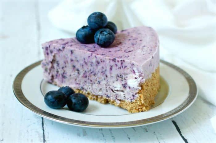 No Bake Frozen Blueberry Pie