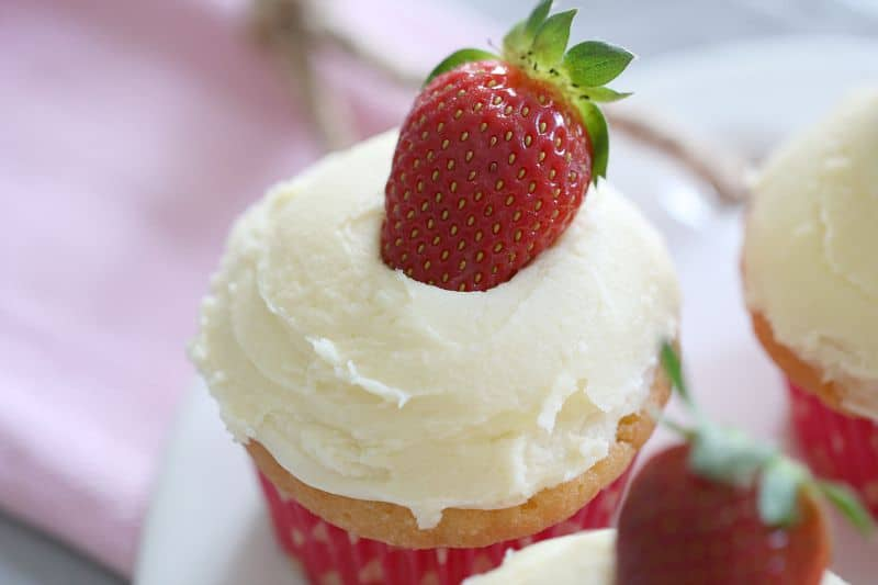 Vanilla Cupcakes with Fresh Strawberries