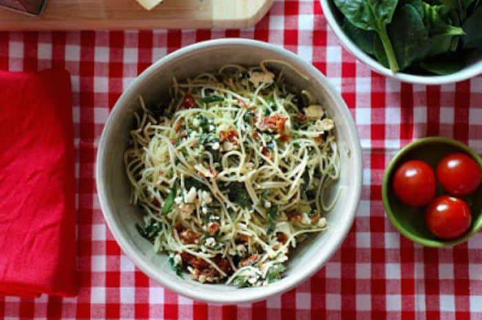 Feta, sundried tomato and spinach pasta