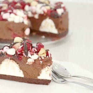 fifteen-minute-rocky-road-cheesecake