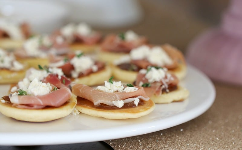 Easy Blinis with Goats Chees & Prosciutto