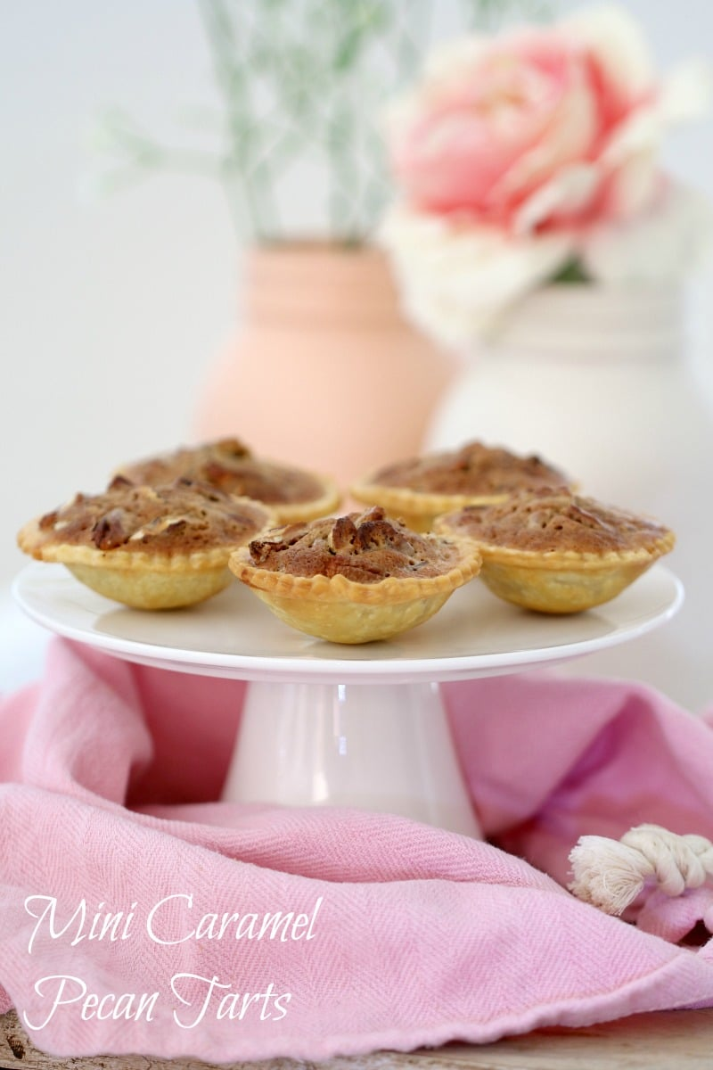 Mini Caramel Pecan Tarts that are the perfect bite-sized dessert (or ...