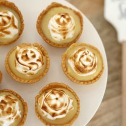 Mini Lemon Meringue Tarts | 5 Ingredient Dessert