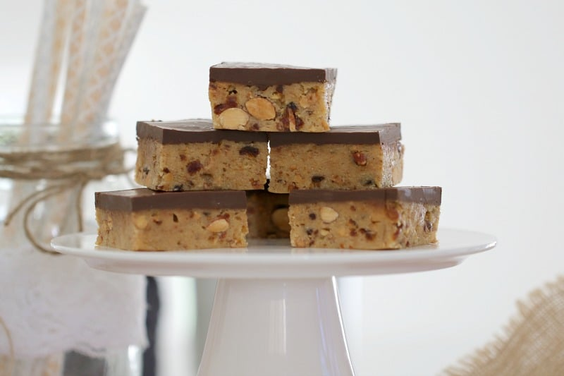 No Bake Date & Almond Slice