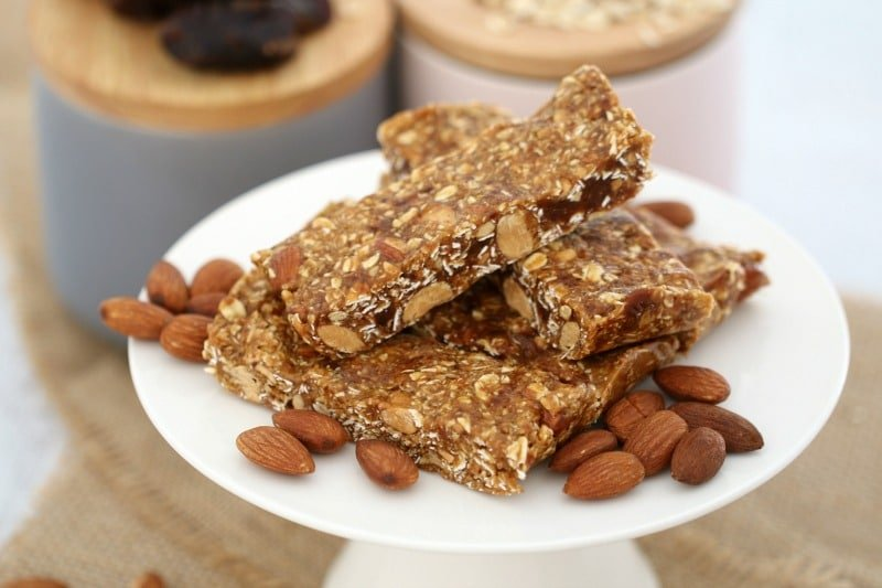Honey, Date, Oat & Nut Energy Bars