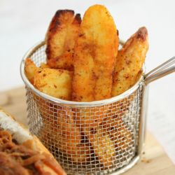 The BEST Crispy Potato Wedges