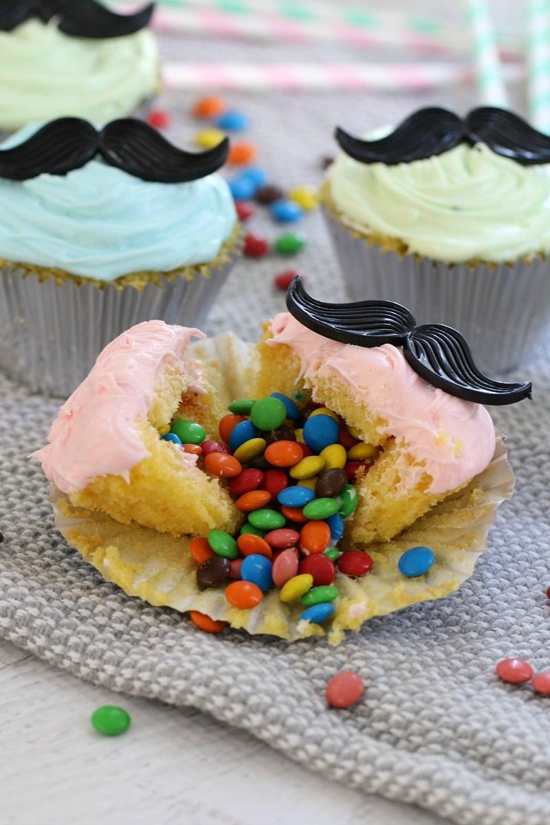 moustache-cupcakes-1