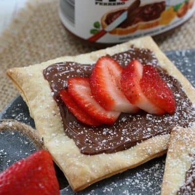 3 Ingredient Nutella & Strawberry Pastries (10 Minutes!!)