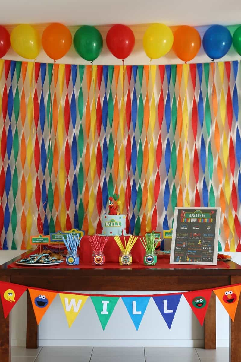 Planning a sesame street party decorations party food for Balloon and streamer decoration ideas