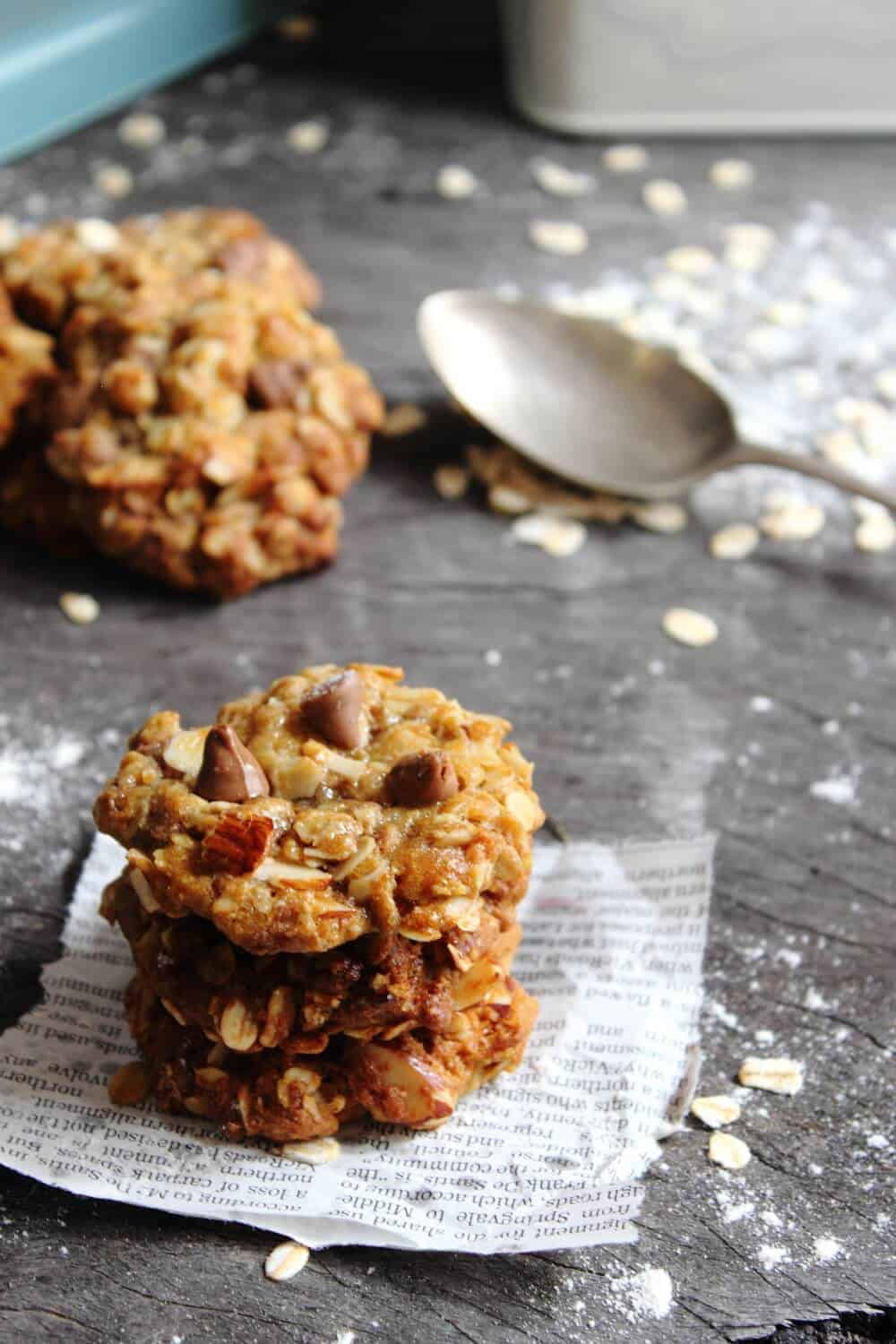 These Almond & Choc Chip ANZAC Biscuits are the perfect combination of crunchy on the outside and chewy on the inside. YUM!