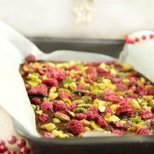 A 10 minute Pistachio & Raspberry Dark Chocolate Bark made with just 3 ingredients... the perfect late night treat!