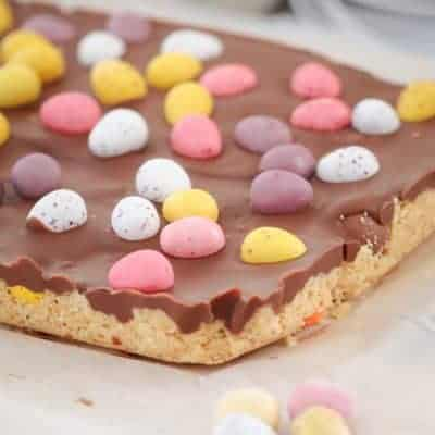 Super Easy No-Bake Easter Egg Slice
