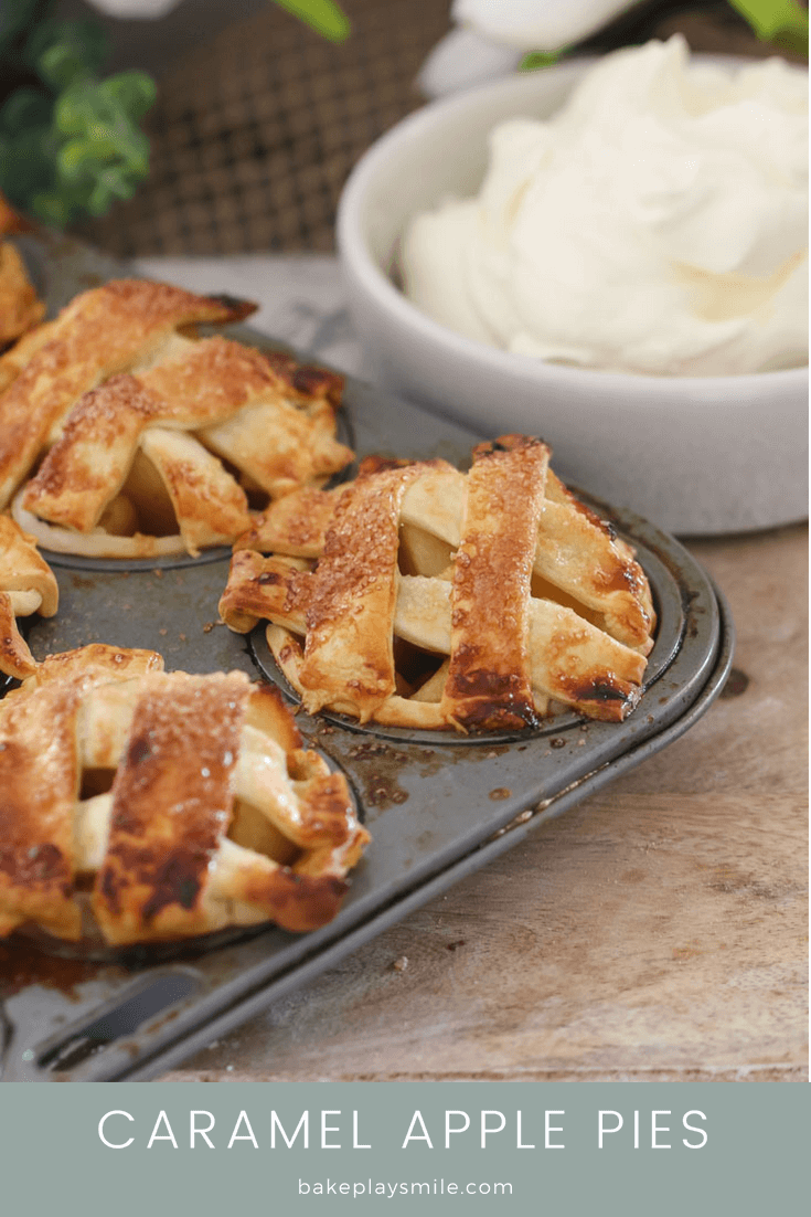 Super easy and delicious Caramel Apple Pies made with crunchy shortcrust pastry, sweet chunks of apple drizzled in caramel sauce... and cooked in a standard muffin tin!