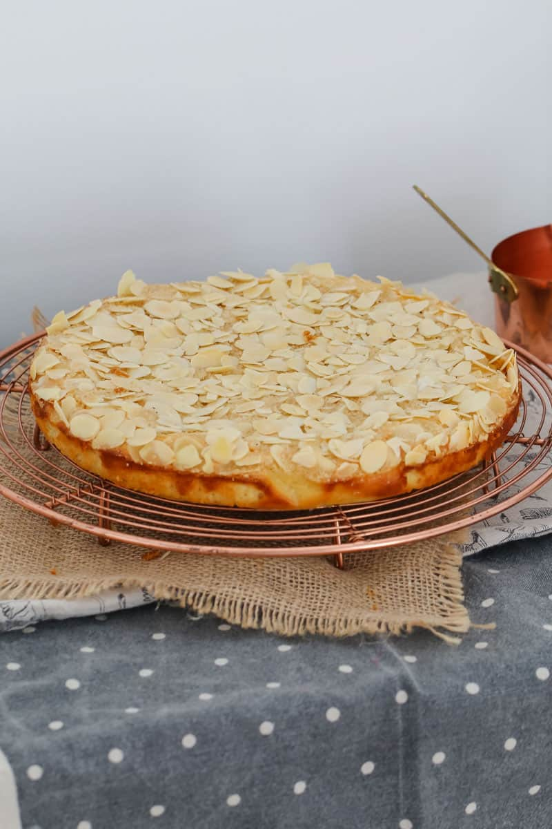 A deliciously zesty Flourless Lemon Cake made with almond meal and ricotta... in just one bowl! This really is the perfect gluten-free cake. Free printable Thermomix & conventional recipe cards included below.
