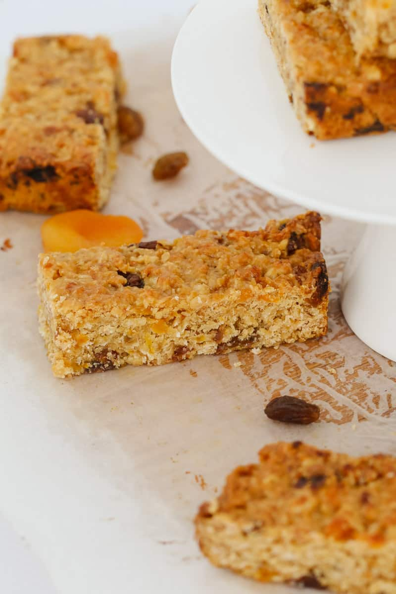 Healthy & delicious nut-free muesli bars that are perfect for school lunch boxes! Make your own variations by mixing and matching your favourite dried fruit.