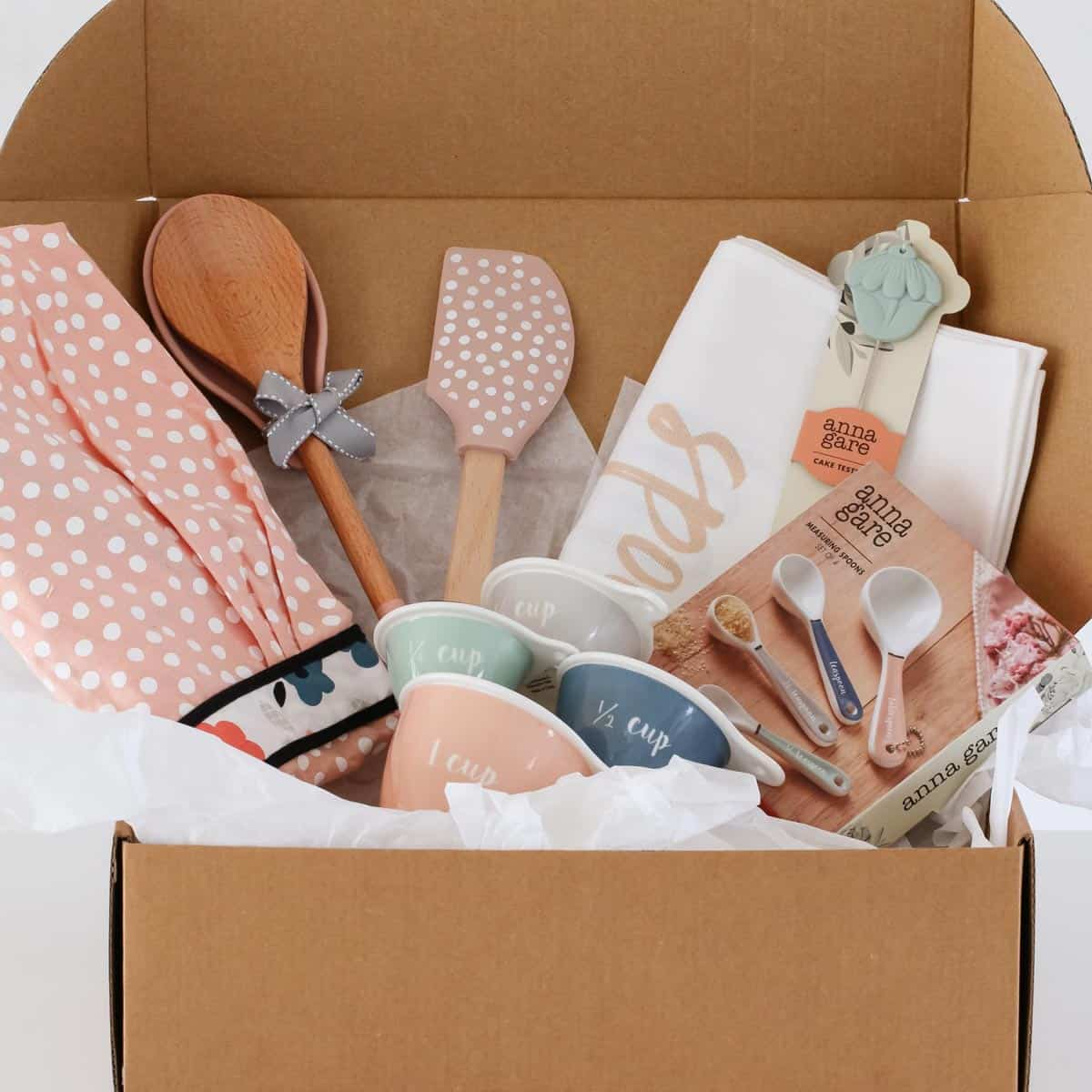 The Deluxe Baking Hamper