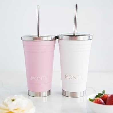 The Dusty Pink Smoothie Cup by MontiiCo is the ultimate when it comes to style and practicality! Fill with your favourite drinks and enjoy!