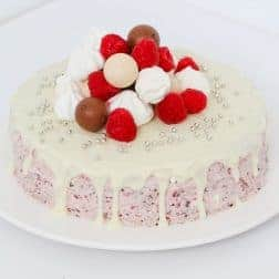 A deliciously simple Raspberry, Chocolate & Meringue Ice-Cream cake that takes less than 10 minutes to prepare... this is the perfect summer dessert!