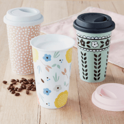 The Anna Gare Travel Mug is the perfect reusable mug for your morning coffee run! Available in 3 gorgeous designs (dishwasher & microwave safe).