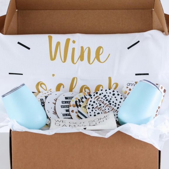 Our Wine Lovers Hamper is unique and oh-so-gorgeous!!! Filled with our stainless steel wine tumblers, tea towel, wine bag and coasters... this is the perfect gift for your friends (or yourself!!!).