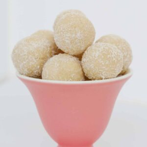 The ultimate White Chocolate Tim Tam Balls made from just 3 ingredients in less than 10 minutes.. the perfect cheeky dessert or party food treat!