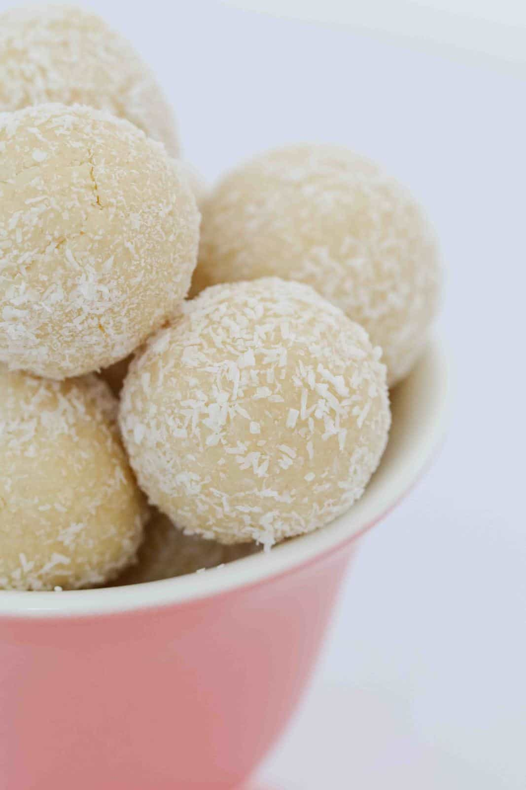 White chocolate balls covered in coconut.