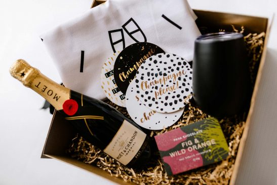 When only the very best will do... the Luxe Moet & Gourmet Chocolate Hamper is perfection in a box! Filled with a 375ml bottle of Moet champagne, a block of Pana gourmet chocolate, a 'Wine O'Clock' premium tea towel, stainless steel wine tumbler and champagne-inspired coaster set.