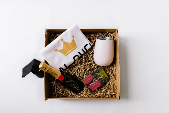 Spoil your best friend with our luxe 'The Bestie Hamper' - filled with a bottle of Moet champagne, a block of Pana gourmet chocolate, a stainless steel wine tumbler and our bespoke 'Real Queens Fix Each Others Crowns' premium tea towel.