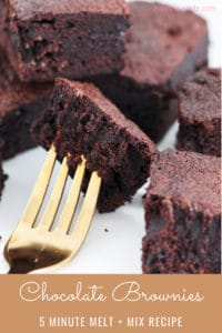Our rich and dense chocolate brownies are so easy to make... and take just 5 minutes to prepare! This is the perfect recipe for delicious and classic brownies!